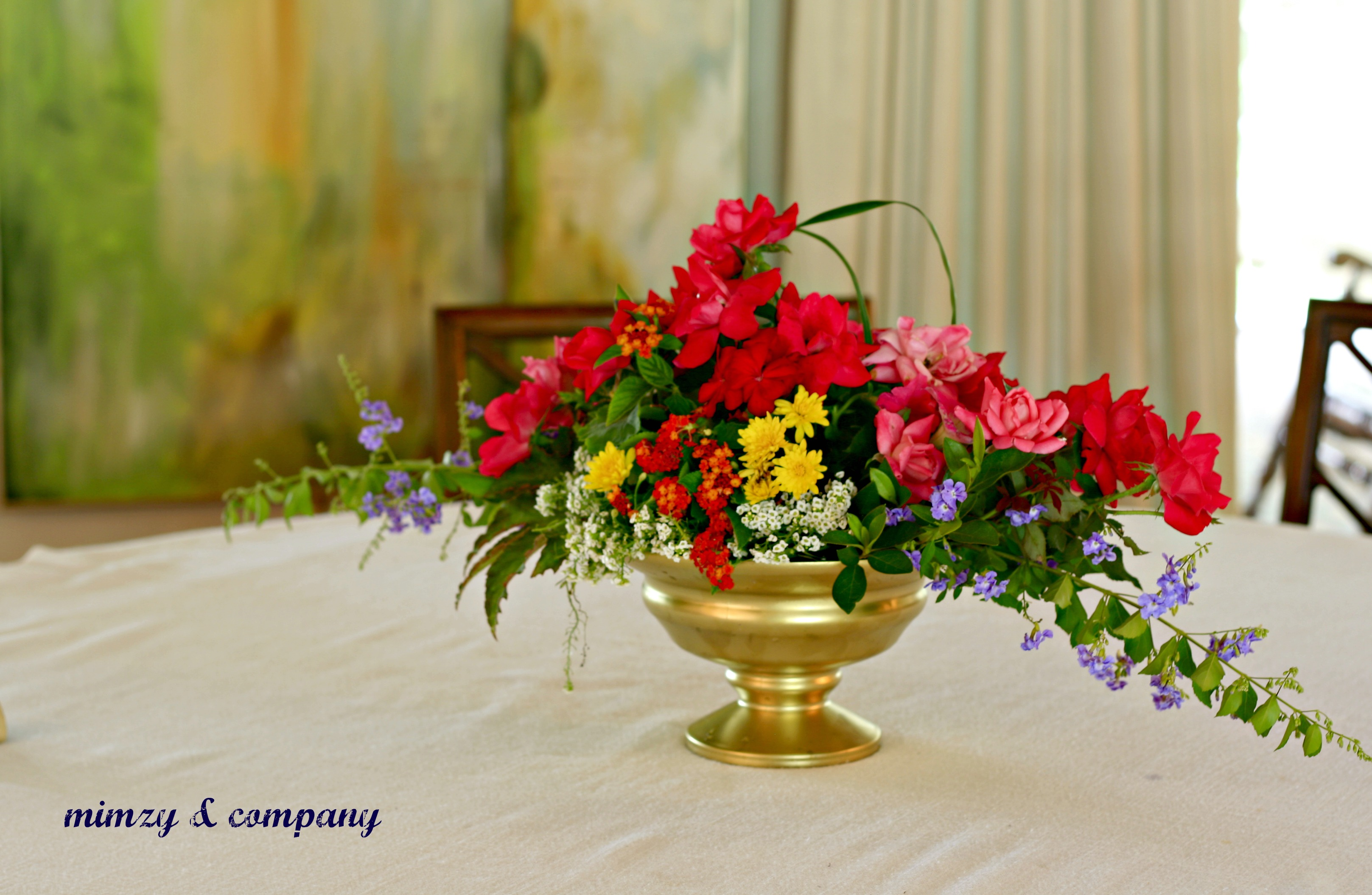 Flower arranging with floral oasis mimzy company for Small fresh flower table arrangements